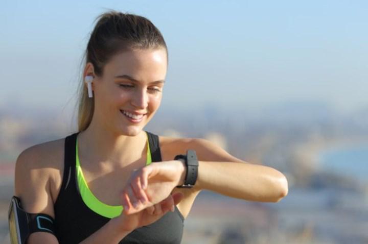 Facebook, hücresel bağlantıya sahip bir akıllı saat geliştiriyor
