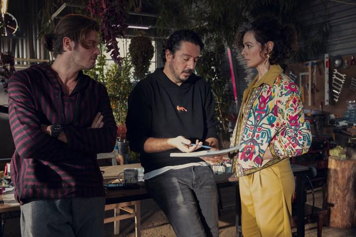 Kıvanç Tatlıtuğ başrollü Netflix'in yerli bilim kurgu dizisinin setinden ilk görseller paylaşıldı
