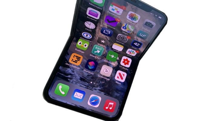 Katlanabilir iPhone için LG Display de devrede