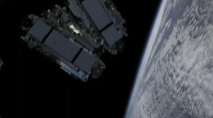 Elon Musk'tan Starlink açıklaması: Hızlar 300Mbit'e çıkıyor
