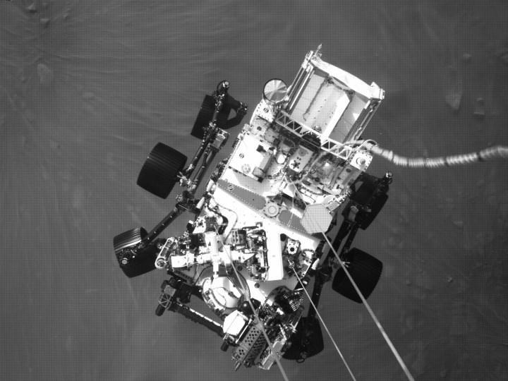 Perseverance'ın Mars'ta çektiği binlerce işlenmemiş fotoğrafa buradan göz atın