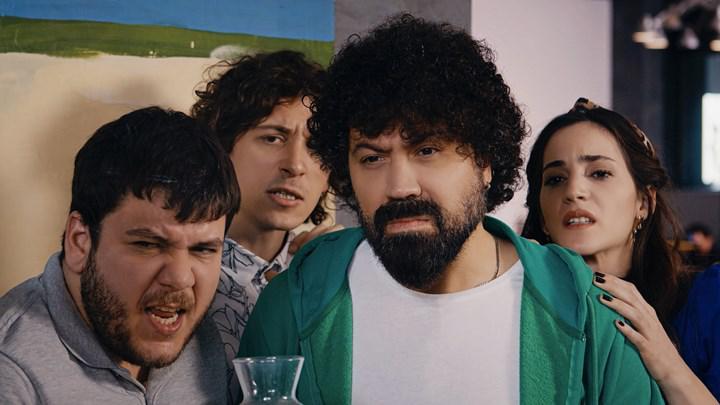 BluTV'nin yerli komedi dizisi Acans'tan fragman yayınlandı, yayın tarihi açıklandı