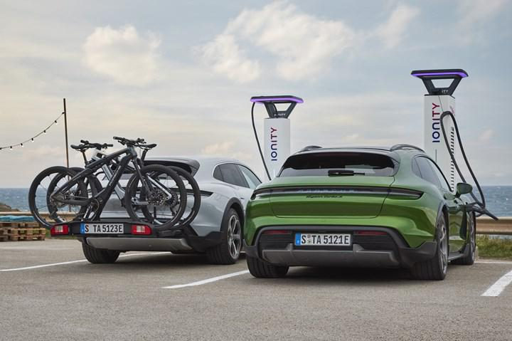 New Porsche Taycan Cross Turismo introduced: Here is the design and features