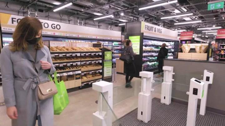 Amazon, ABD dışındaki ilk kasasız marketini Londra'da açtı