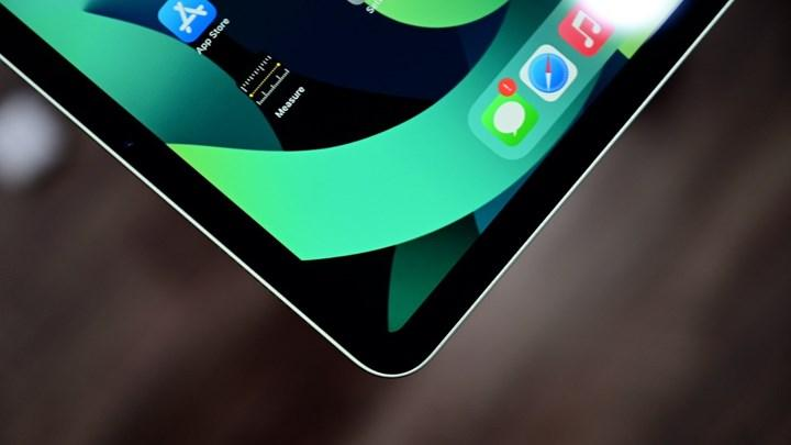 Apple may launch iPad model with OLED display next year