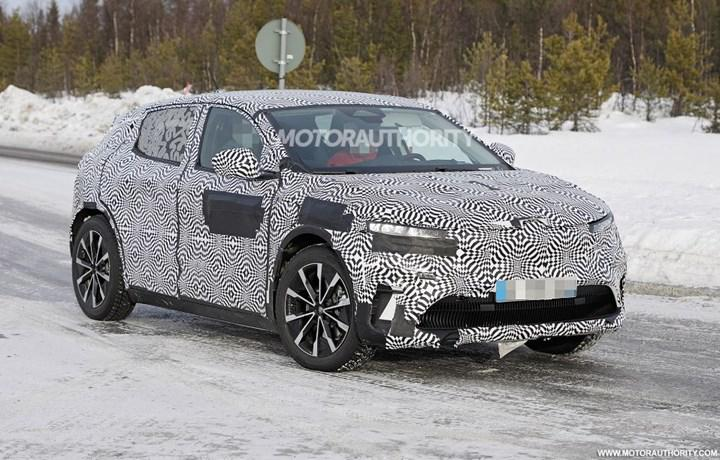 Electric Renault Megane begins testing: Here are photos of camouflage