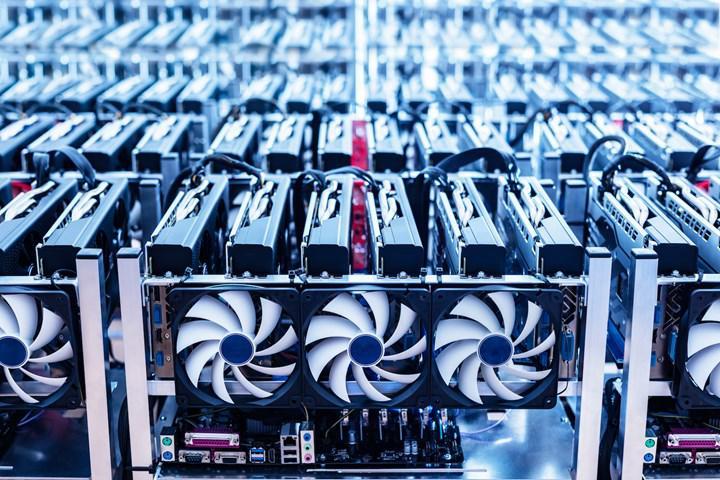 AMD özel madencilik kartları hazırlığında