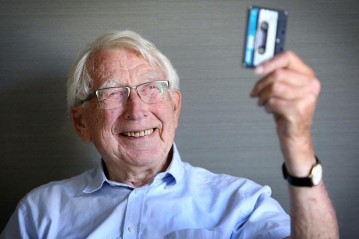 Inventor of tape technology dies