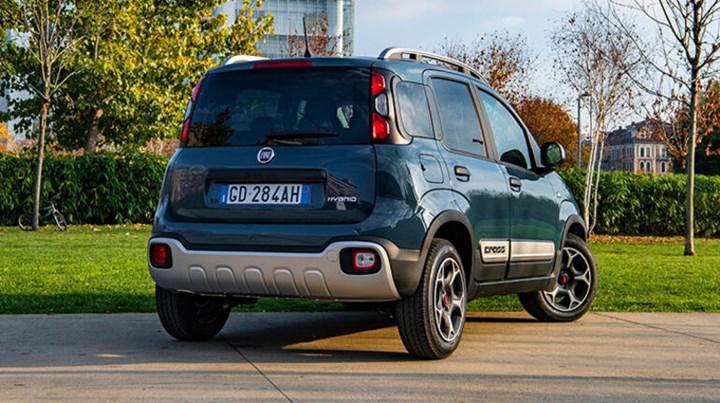 Yenilenen Fiat Panda, hafif hibrit motor seçeneğiyle Türkiye'de