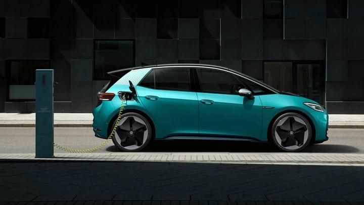Volkswagen aims to halve battery cost for electric cars