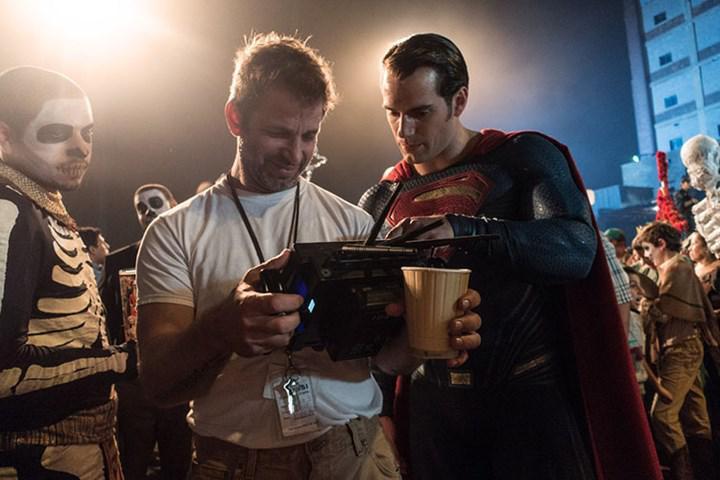 Zack Snyder daha fazla çizgi roman filmi yapmak istemediğini söyledi