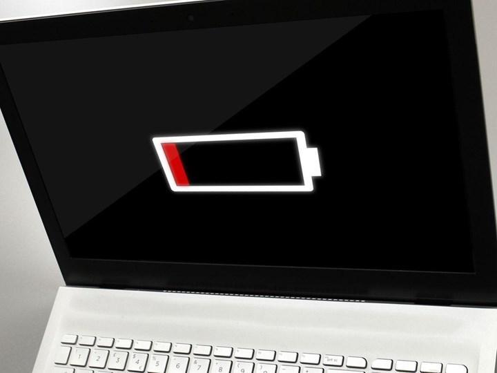 Epic Games Store arka planda çalışsa bile dizüstü bilgisayarların bataryalarını sömürüyor
