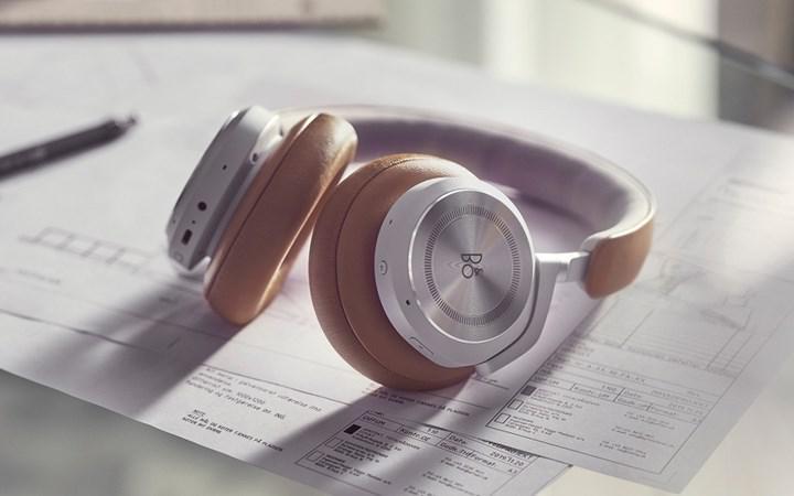 B&O Beoplay HX headphones meet AirPods Max
