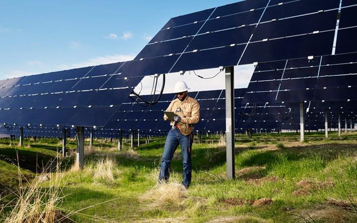 Apple, yenilenebilir enerji depolama tesisi için Tesla'yla anlaştı