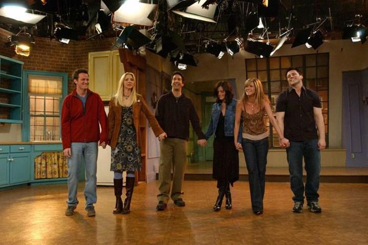 Friends dizisinin özel bölümü için çekimler başladı; ilk görseller paylaşıldı