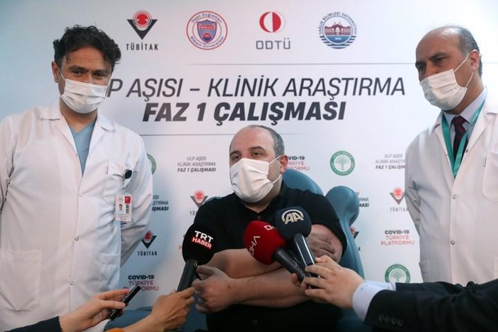 Türkiye Cumhuriyeti Sanayi ve Teknoloji Bakanı yerli aşı oldu