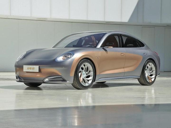 Çinli Ora Lightning Cat konsepti, tasarımıyla Porsche modellerini anımsatıyor