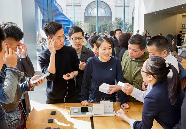 Apple, zayıf talep ve artan rekabet nedeniyle AirPods üretimini azaltıyor