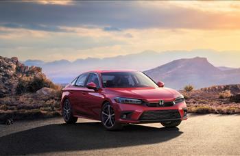 Japon otomobil devi Honda, yeni Civic'de hem iç hem de dış tasarımda sadeleşmeye gitmiş.