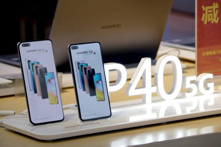 Huawei yeni yıla düşüşle başladı