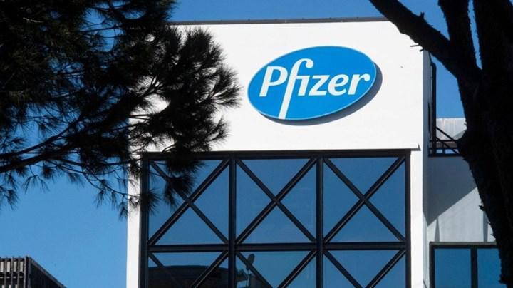 Pfizer, yıl sonuna kadar COVID-19 haplarını piyasaya süreceğini duyurdu