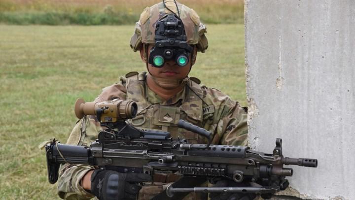 ABD Ordusunun yeni nesil gece görüş gözlükleri, muharebe sahasını yüksek çözünürlükle aydınlatıyor