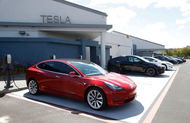 Tesla, otomobillerinin fiyatını 10 bin dolar düşürecek olan patenti 3 dolara aldı