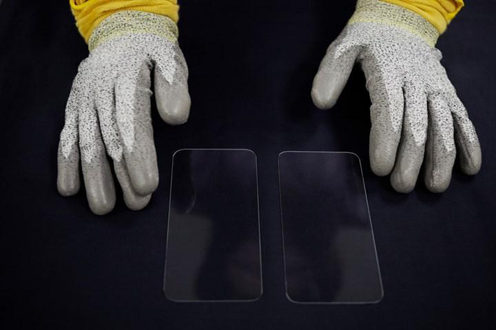 Apple, iPhone cam üreticisi Corning'e 45 milyon dolar daha yatırım yaptı