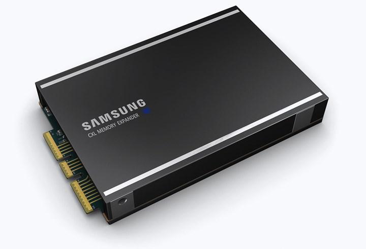 Samsung sektörün ilk CXL destekli DRAM belleğini duyurdu