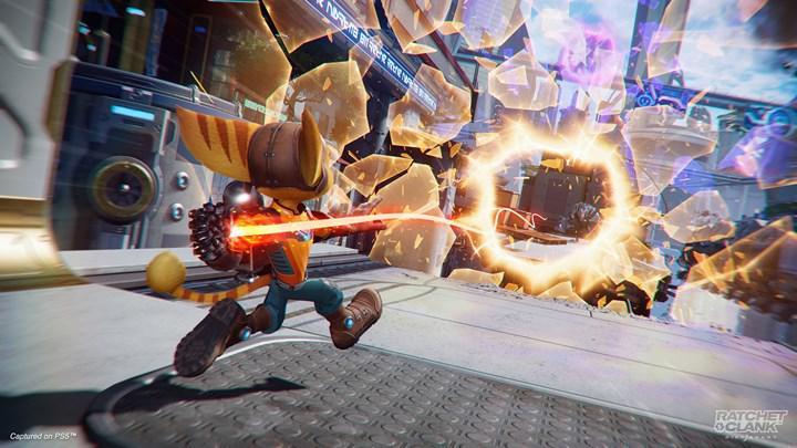 PS5 özel oyunu Ratchet & Clank: Rift Apart'tan ilk yorumlar geldi: 'PS5 oyunu olduğunu gerçekten hissettiriyor'