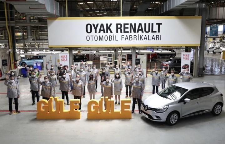 Bursalı Renault Clio 4 bantlara veda etti