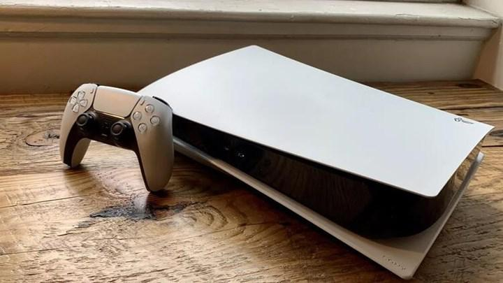 Bir YouTuber PS5'i küçülttü