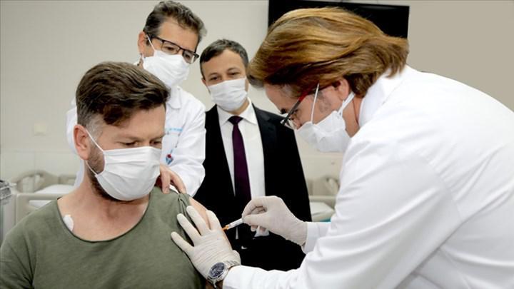 Bakan Koca 40 yaş üstü için aşı müjdesini verdi