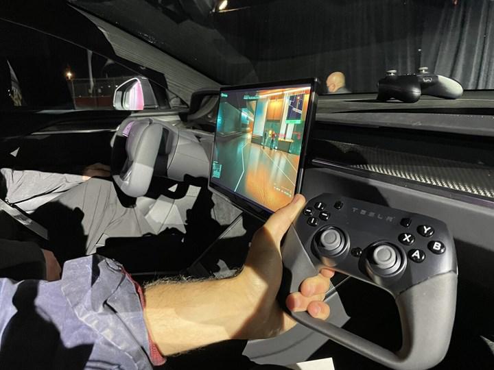 Tesla Model S artık Cyberpunk 2077 kaldırıyor