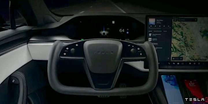 Tesla Model S Plaid'in ilk sahipleri, F1 tarzı direksiyondan şikayetçi