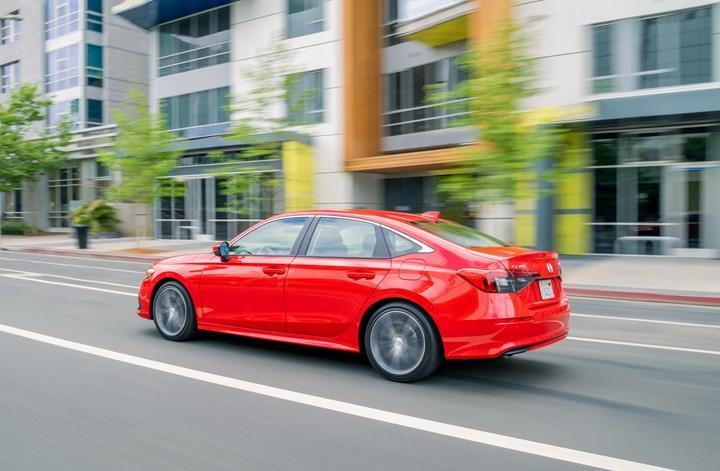 Yeni 2022 Honda Civic Sedan'ın yurt dışı fiyatları ve detaylı fotoğraflarına göz atın