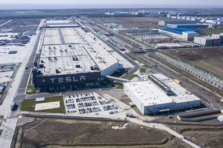Tesla, Çin'de bulunan 285,000'den fazla aracını geri çağırıyor