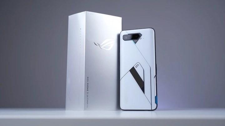 ZTE'den 20 GB RAM'li akıllı telefon geliyor