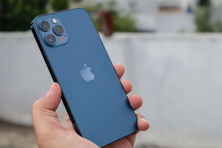 iPhone 12, 100 milyon satış rakamına ulaştı