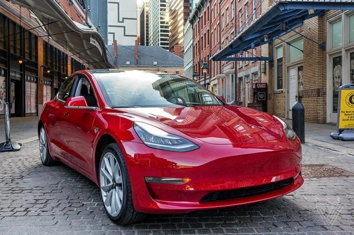Tesla, 2021'in 2. çeyreğinde 200 bin araç teslim etti