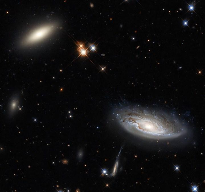 İki tane galaksi keşfedildi