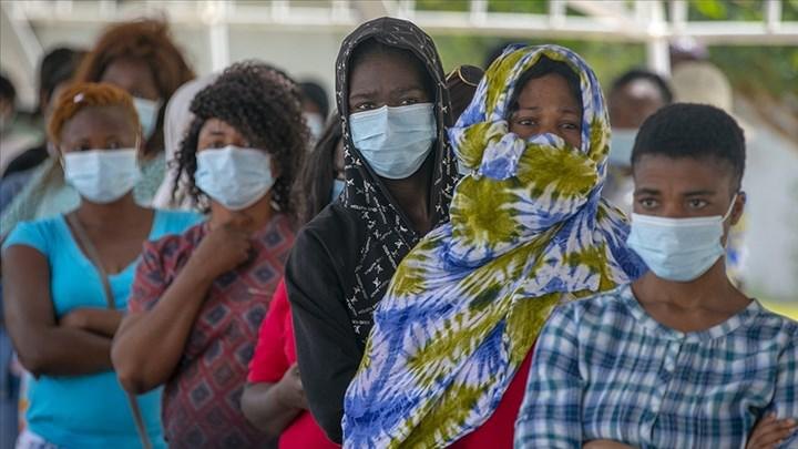 G7: Yoksul ülkelere aşı dozları 2022 sonunda gidecek