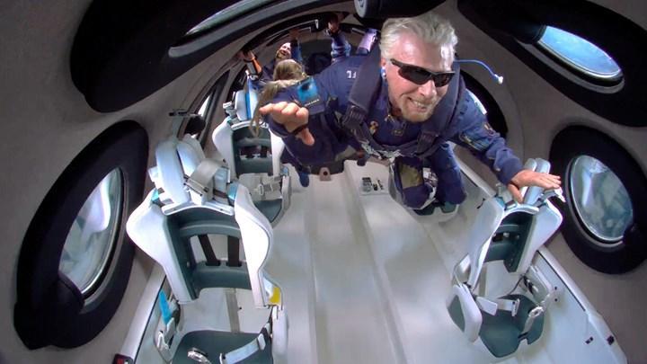 Richard Branson'un uzaya çıktığı anlardan inanılmaz video