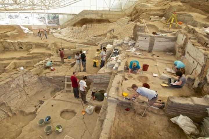 Çatalhöyük'ye yeni mahalle bulundu