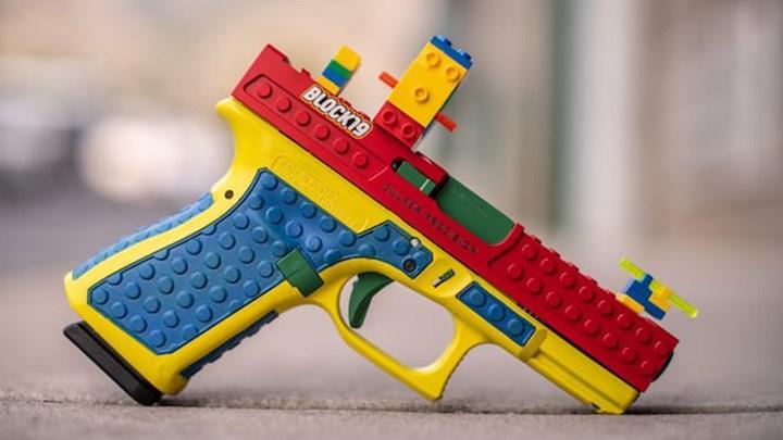 Lego oyuncağına benzer silah büyük tepki yarattı