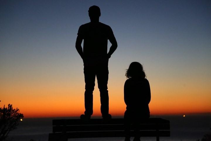 Erkekler kadınlardan daha fazla Dünya'ya zarar veriyor