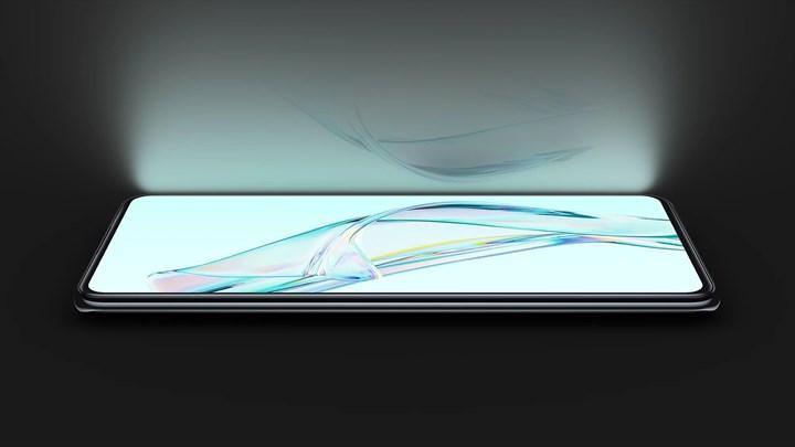 ZTE, ekran altı kameralı akıllı telefonu Axon 30'u tanıttı