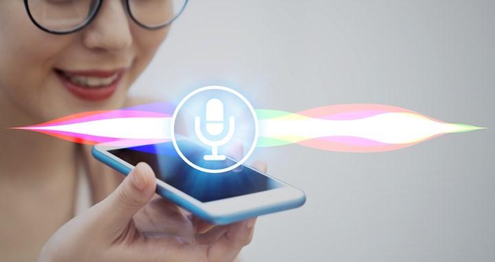 Apple'dan tartışmalı Siri kararı
