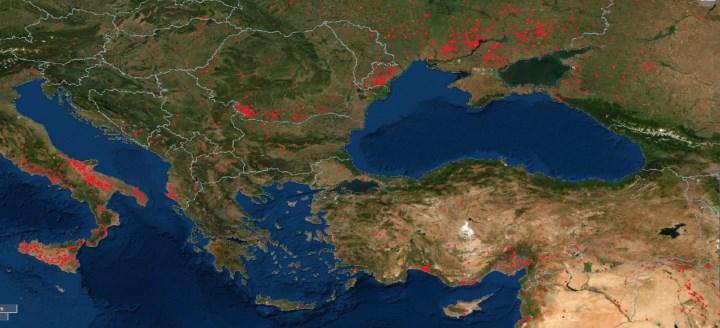 Türkiye'deki yangınları NASA görüntüleriyle takip eden