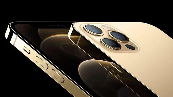 iPhone 14 çentiksiz gelebilir